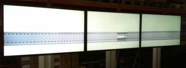 Videowand, kombiniert aus drei 40 Zoll Monitoren von Samsung