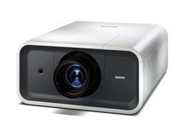 Sanyo PLC-XP 100L inkl. diverse Optiken